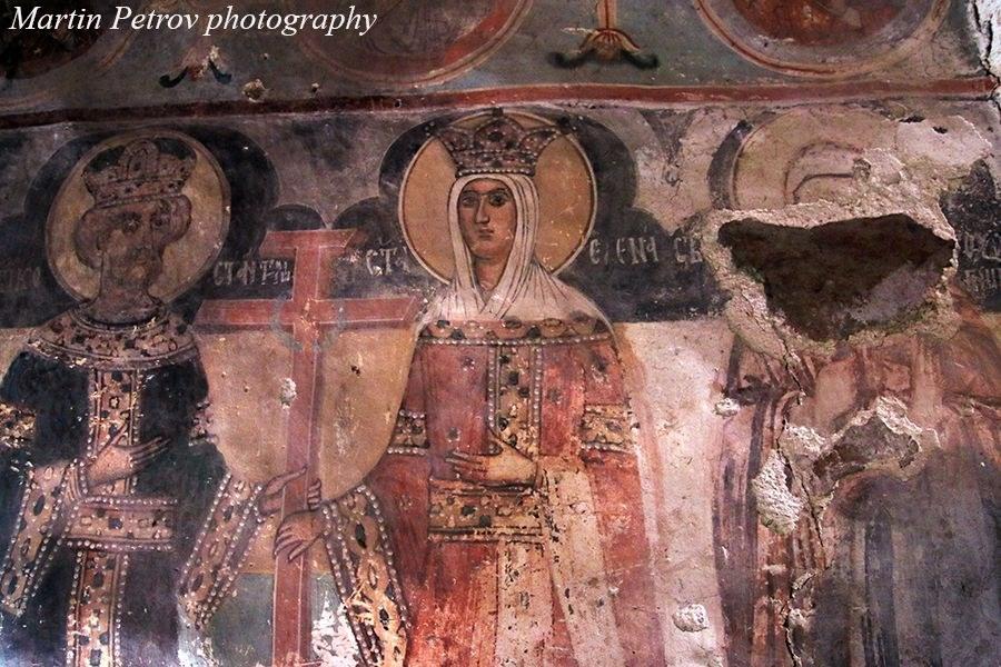 разруха в манастира