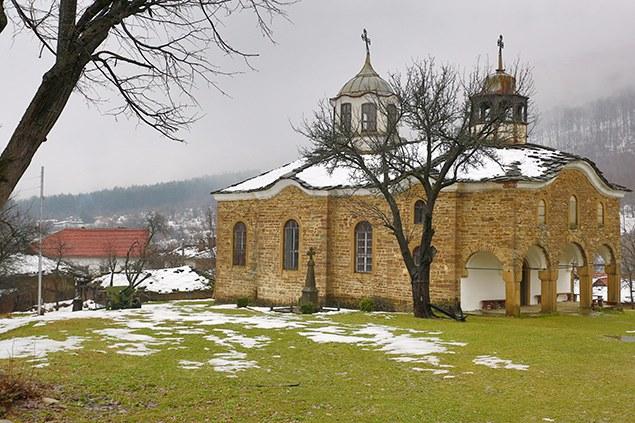 село Старо Стефаново - църквата